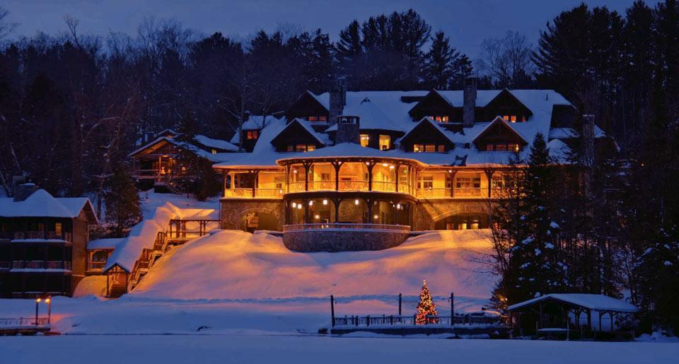 winter lodges main lodge exterior winter glow christmas 5151 - Christmas Lodge