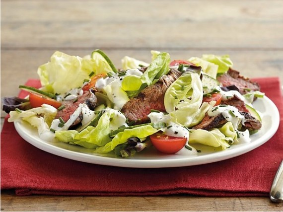 salad, steak, tenderloin, tomatoes, cucumbers, horseradish, horseradish dressing