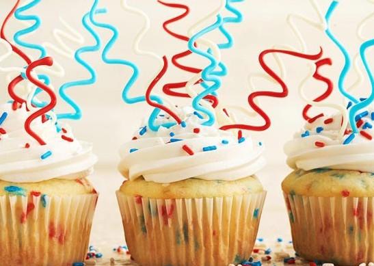 cupcakes, icing, July 4th, 4th of July, sweet, festive, kid-friendly, dessert