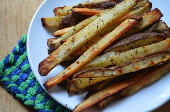 potaotes, french fries, baked fries, baked potatoes, oven-baked fries, coriander, coriander seeds, thyme, fries