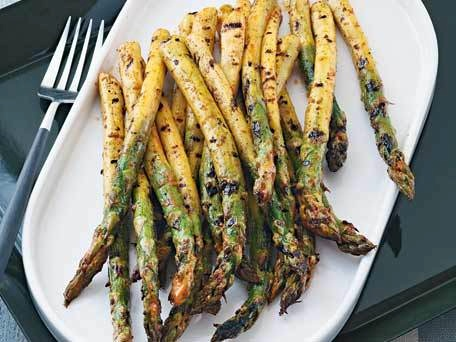 asparagus, grilled asparagus, smoky sweet asparagus, paprika, cumin seeds
