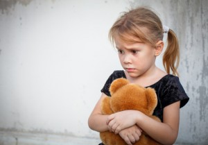 child, scared, teddy bear