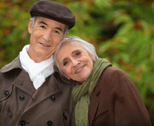old couple, grandparents, how to keep grandparents close