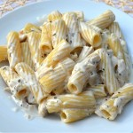 rigatoni,pasta,noodles,creamy,cheesey