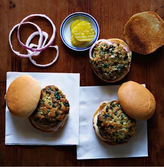 burgers, sliders, burger, slider, turkey, ground turkey, spinach, sandwich