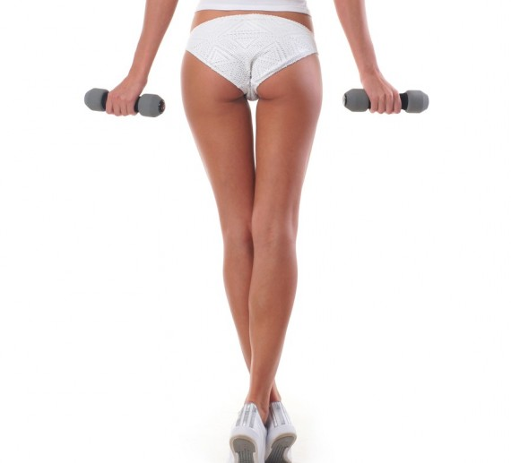 move of the week, exercise,curtsey lunge, legs, glutes, outer thighs, hips, calves, quads, core, unilateral, balance, tips from town