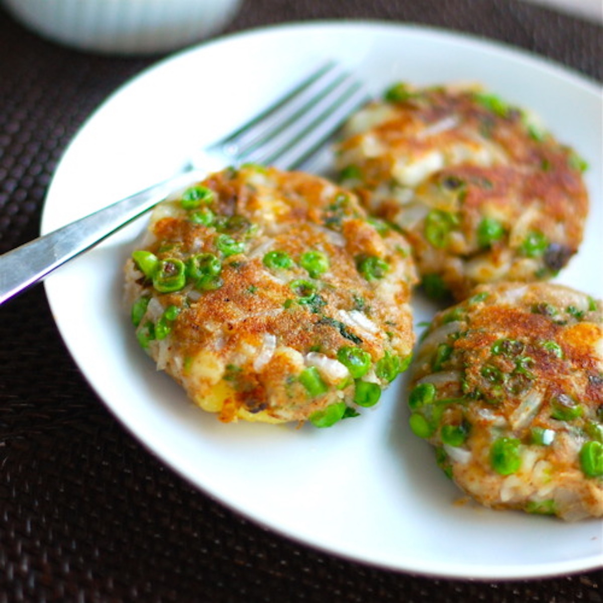 Indian street food aloo tikki recipe pinch of yum forumfinder Image collections